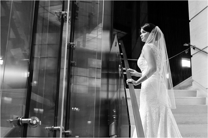 Shedd_Aquarium_Chicago_Wedding_Photographer_0032.jpg