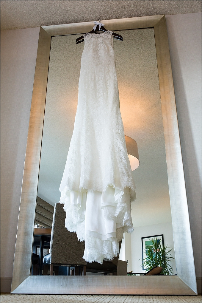Ivy_Room_Chicago_Wedding_Photographer_0005.jpg